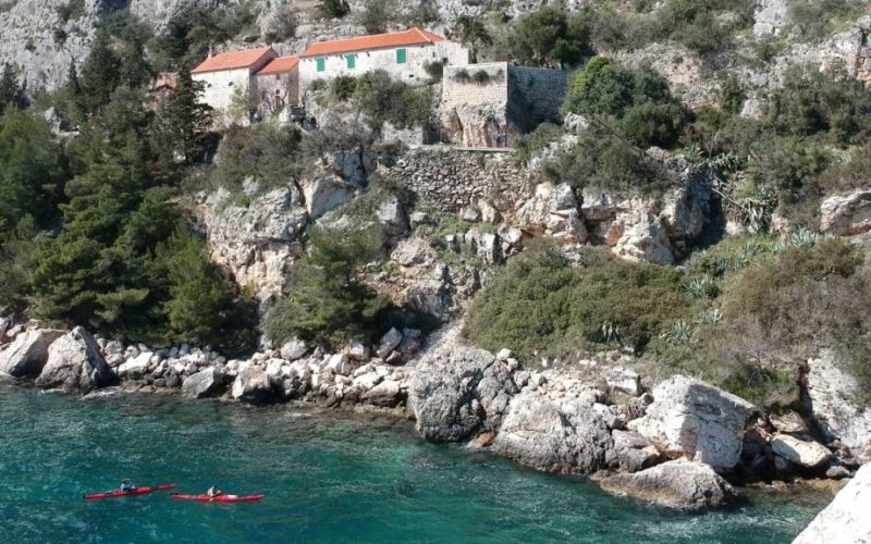 Southern Cliffs Tour - Split sea kayaking - Red Adventures CroatiaSouthern Cliffs Tour - Split sea kayaking - Red Adventures Croatia