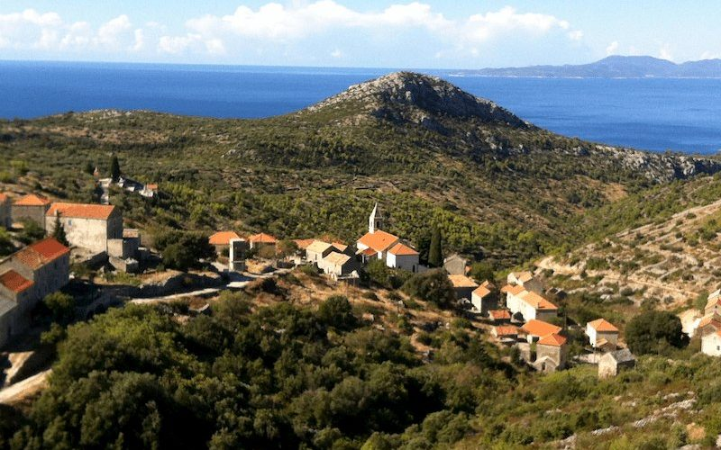 Lonesome village of Velo Grablje on Hvar island - Hiking holiday in Croatia