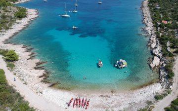 Blue lagoon sea kayaking - Croatia