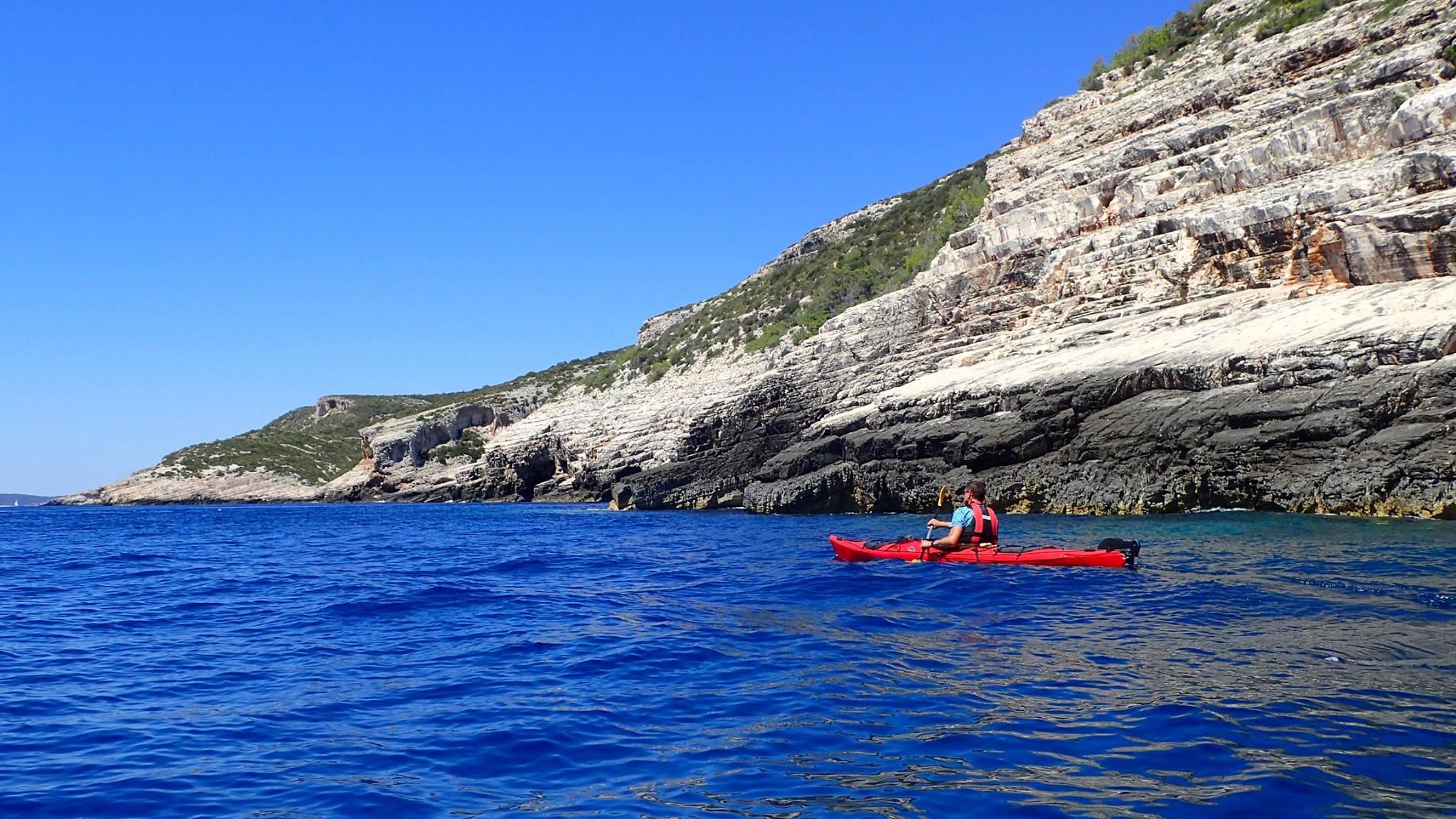 Magic island sea kayak tour | 5 days | Red Adventures Croatia