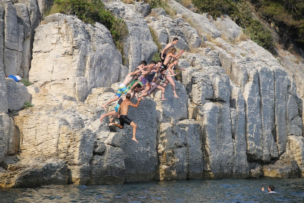 Split sea kayak tour | Sea kayaking with cliff jumping & snorkeling in  Spllit