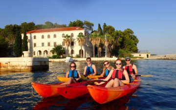 Split sea kayak tour