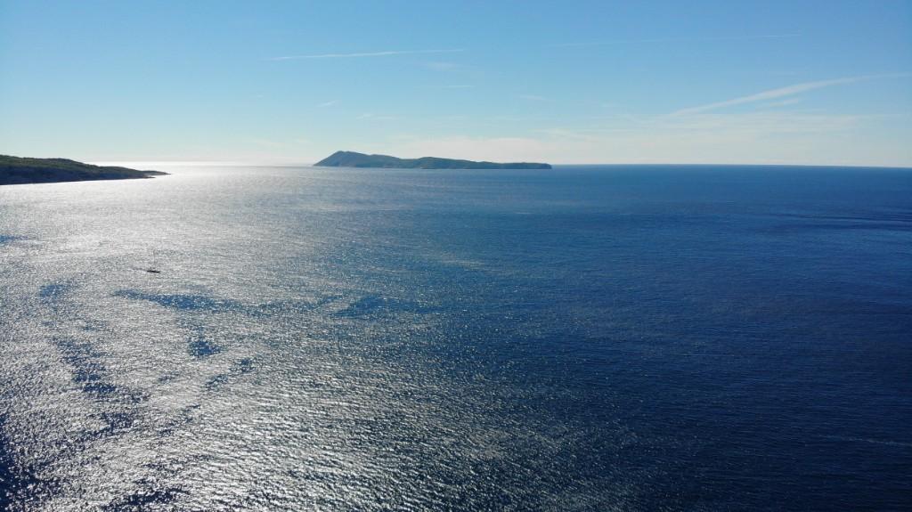 5 islands boat tour | Blue cave - Vis - Hvar | Red Adventures Croatia