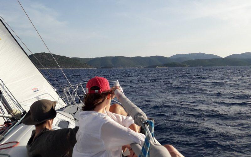 Split sailing tour
