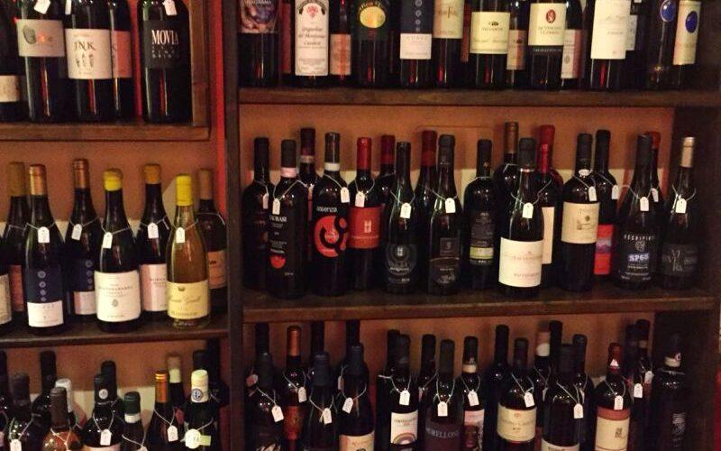 Walking tour in Croatia with wine tasting